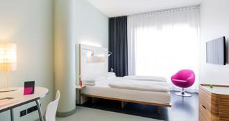 Comfort class room at the ku damm 101 design hotel berlin for 101 design hotel berlin